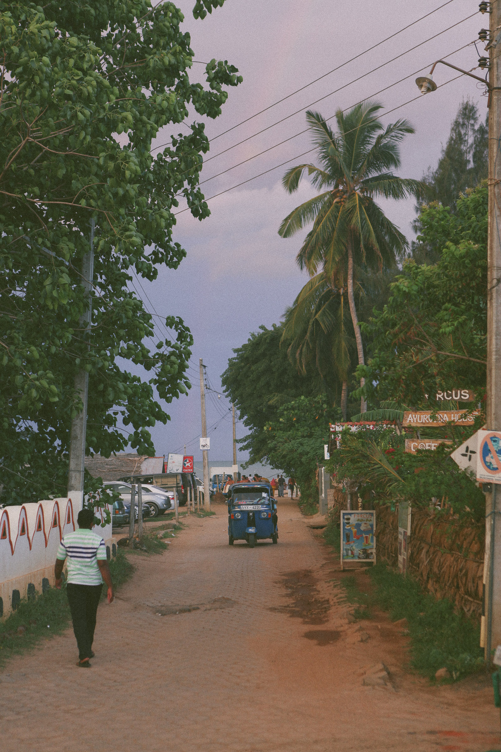 Sri Lanka-Hikkaduwa-Midigama-Aragum Bay-Sunshinestories-surf-travel-blog-IMG_5186