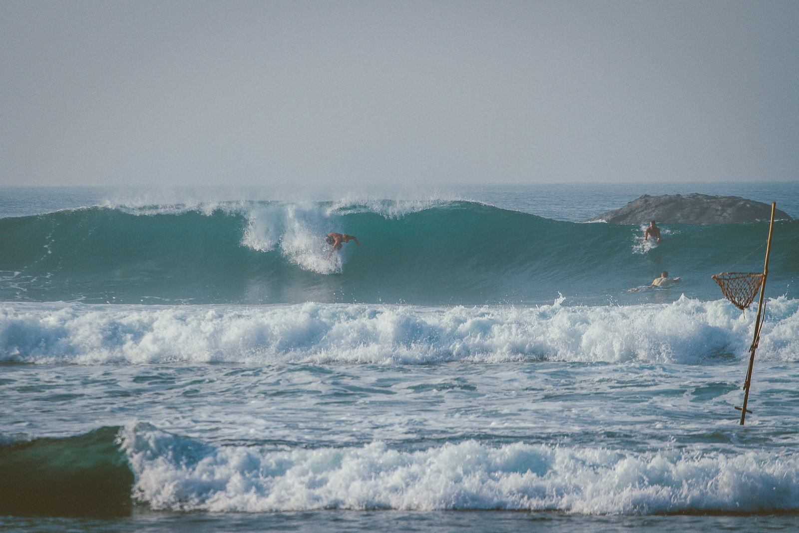 Sri Lanka-Ahangama-Kabalana-The rock-Surf-Barrel-Big swell-Midigama-Surfing-travel-blog-IMG_8861