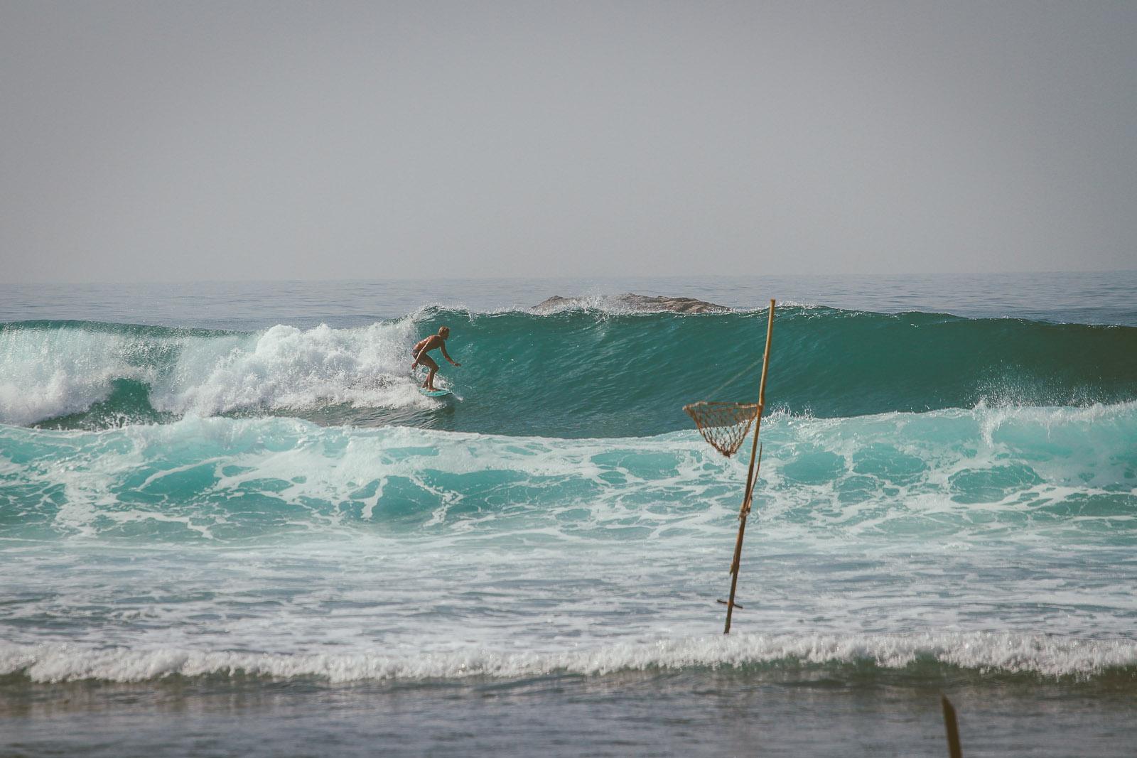 Sri Lanka-Ahangama-Kabalana-The rock-Surf-Barrel-Big swell-Midigama-Surfing-travel-blog-IMG_9298