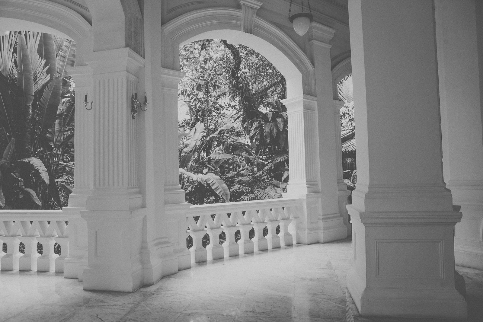 Singapore-raffles-singapore sling-bar-longbar-hotel-travel-blog-IMG_1951