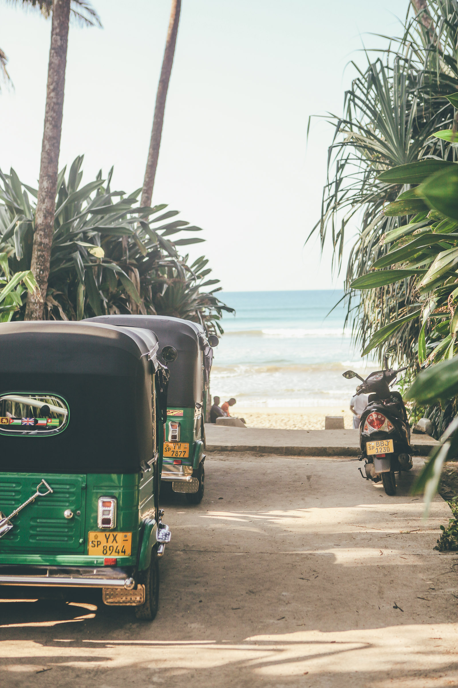 Sunshinestories-Sri-Lanka-Medawatta-Medawata-Meda-Watta-Mada-surf-Lonboard-Surfing-Wave-Surf-School-Camp-Yoga-Studio-IMG_0781