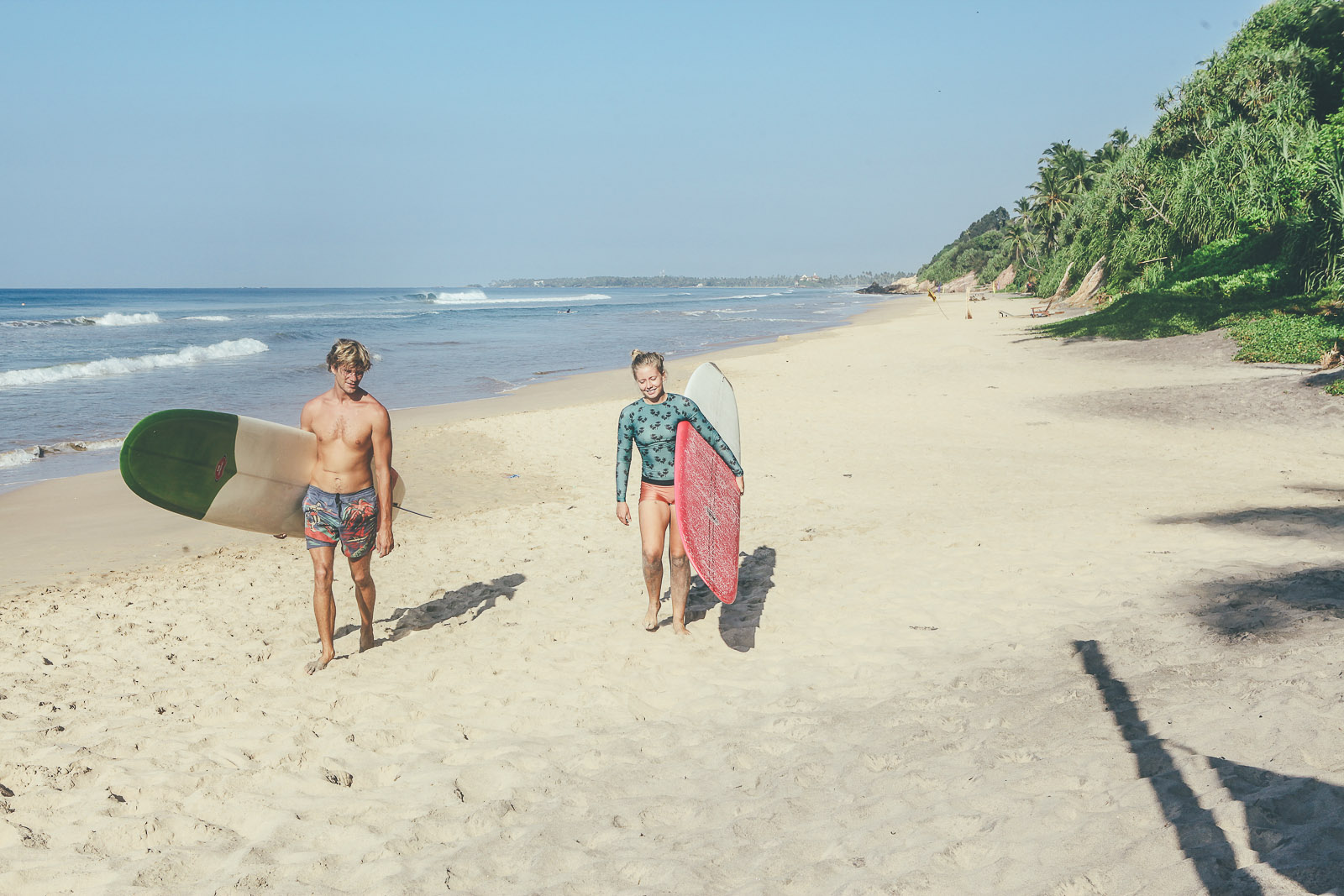 Sunshinestories-Sri-Lanka-Medawatta-Medawata-Meda-Watta-Mada-surf-Lonboard-Surfing-Wave-Surf-School-Camp-Yoga-Studio-IMG_0829