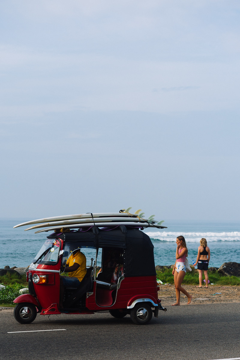 surf-lessons-sri-lanka