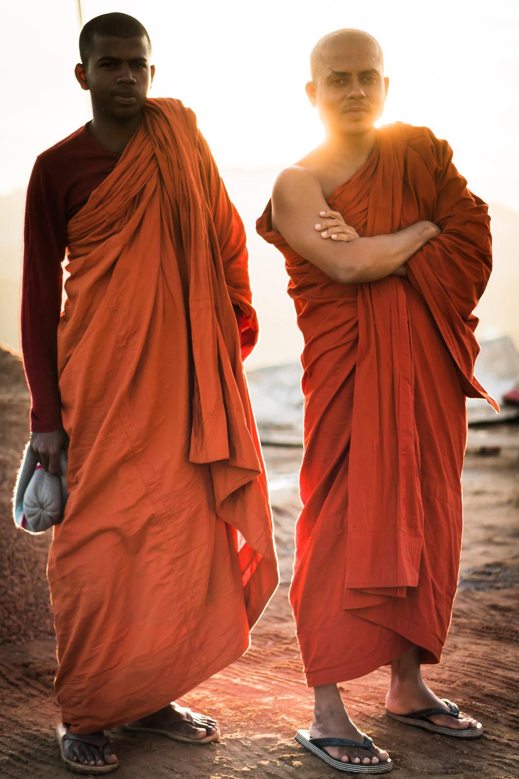 buddhist-monk-sri-lanka