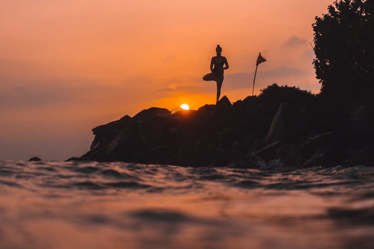 donna yoga sri lanka sunset